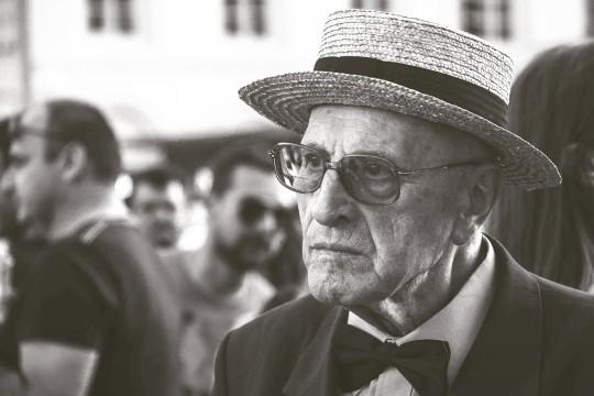 探偵は年配の方のイメージがあるが実際はどうなのか
